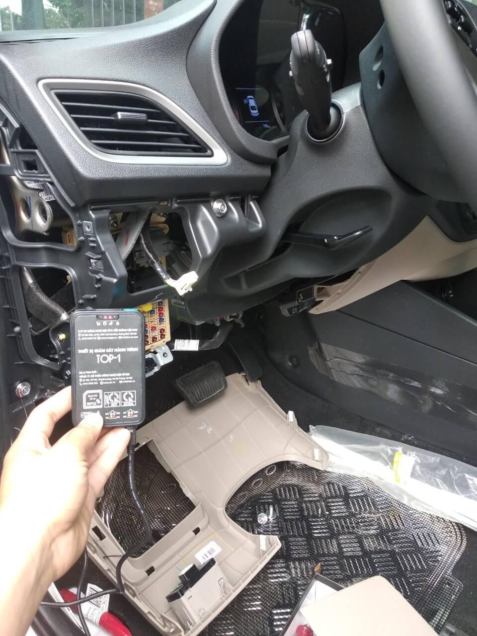thiết bị giám sát hành trình xe tải